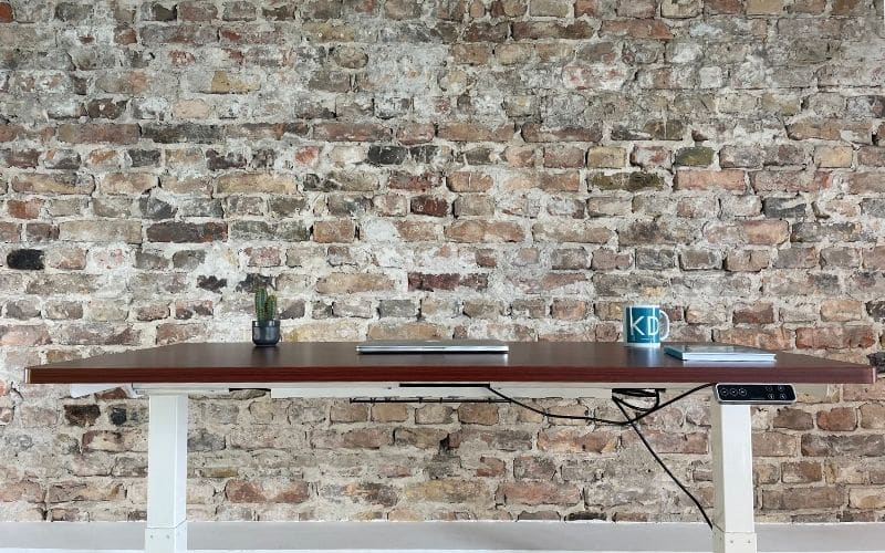Elektrisch höhenverstellbarer Schreibtisch Office One mit Memory-Steuerung und Softstart/-Stop, Material Tischplatte Dekorspanplatte, 120x80 cm, weiss, grau